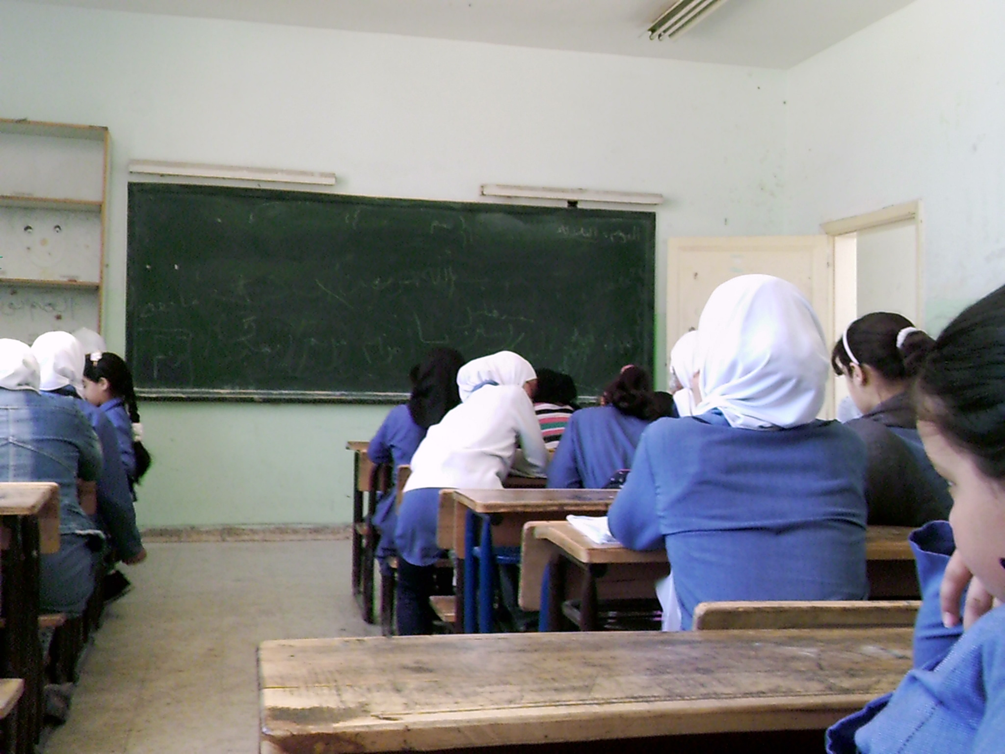 Ten students, Jordanians and Syrians, from sixth and seventh grade took pictures to document their daily school life. This photo was shot by the sixth grader Ateer. She likes her classroom and feels safe.