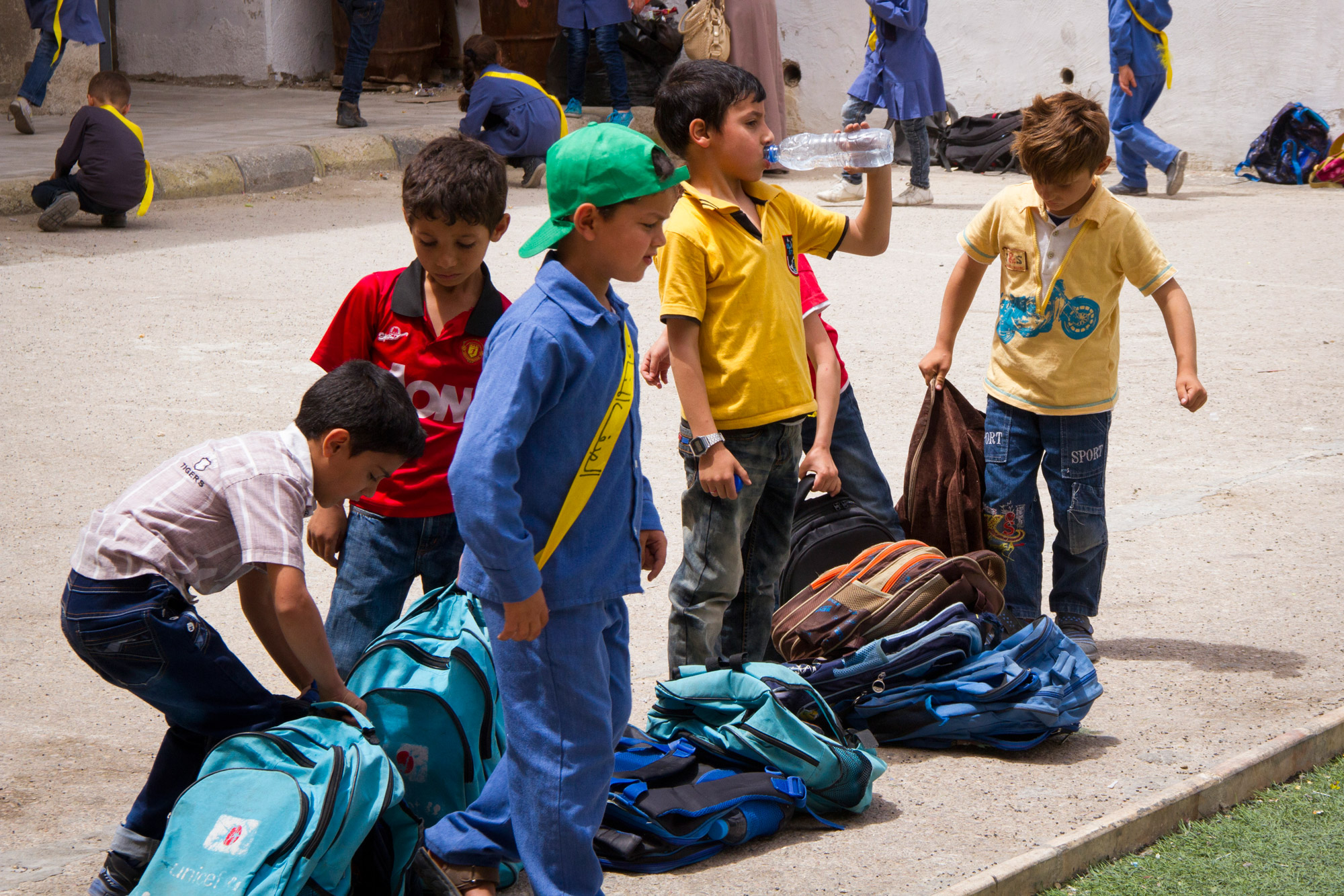 Many Syrian refugees have school bags provided by NGOs such as UNICEF.
